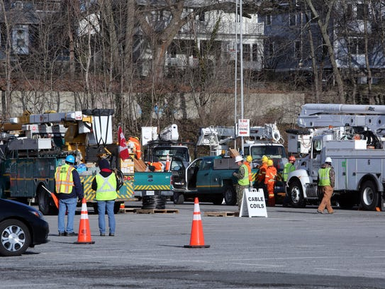 Utility workers from out of state or country join Con