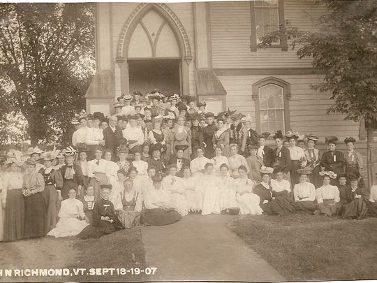 The Louise M. Smiley Circle of King's Daughters hosts other King's Daughters at the Universalist Church on Sept. 18-19, 1907. Note their fancy hats. I.H.N. (In His Name) is the watchword of this International religious organization.