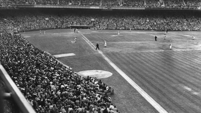 Opening Day at Crosley Field in 1961