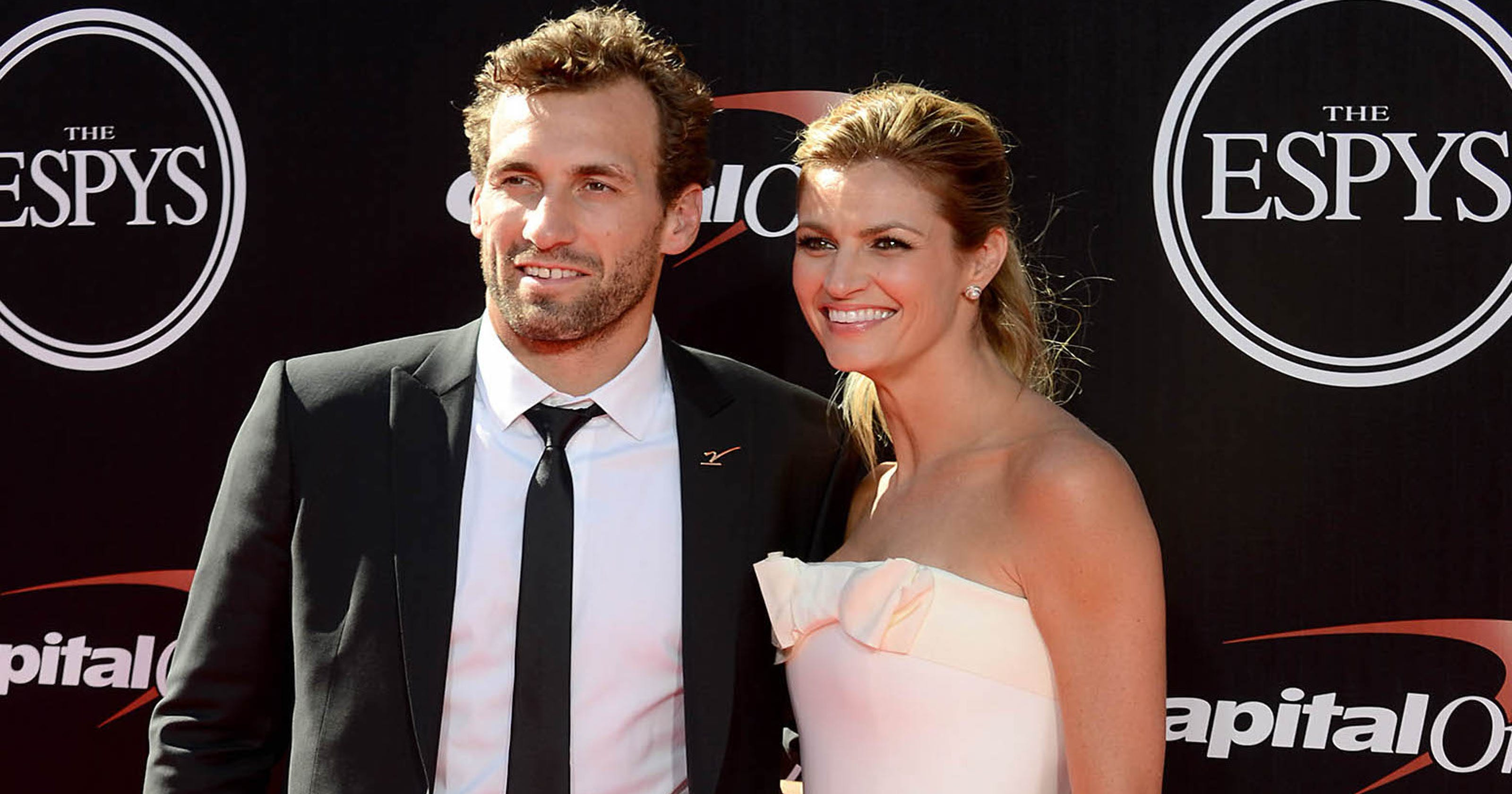Erin Andrews Wedding.Erin Andrews Gets Married At Picturesque Wedding