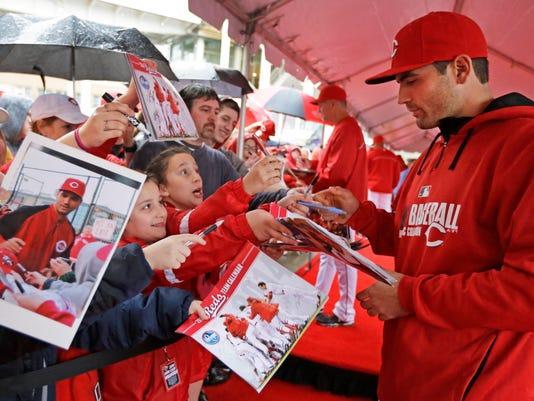 Cardinals Reds Baseball (2)
