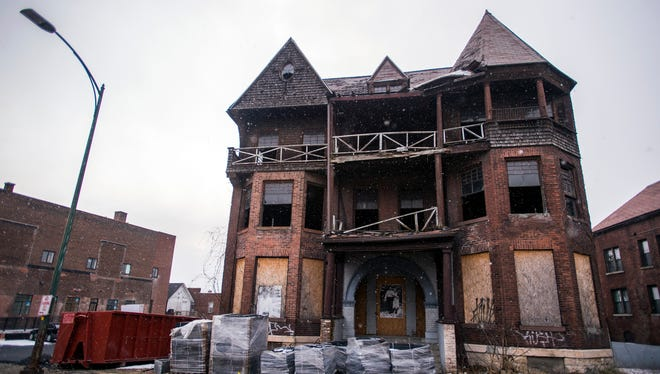 An abandoned home on Lewis Street in downtown Binghamton.