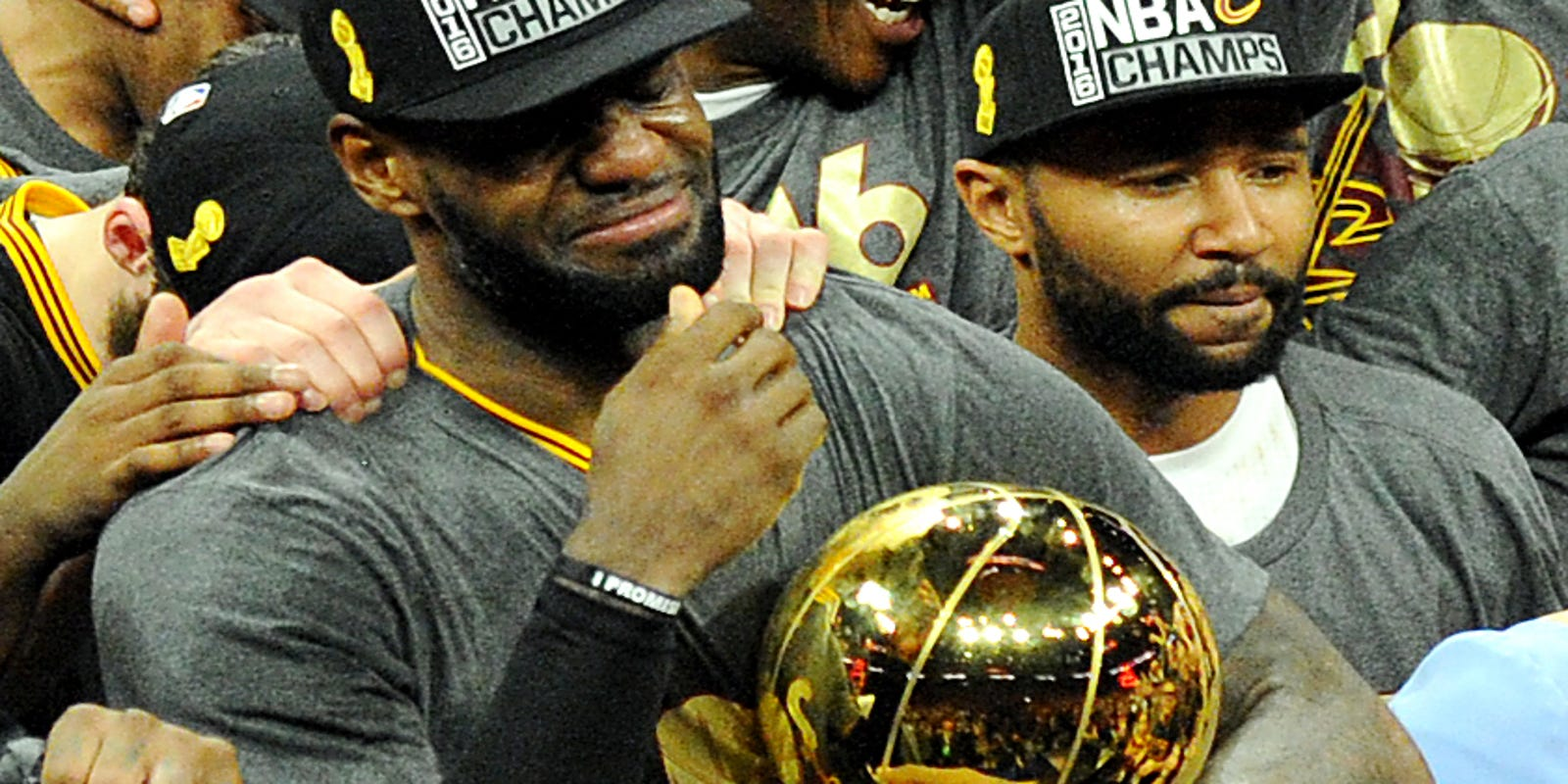 1bbb80169c9 LeBron James named AP Athlete of the Year