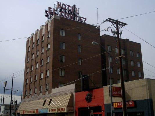 -downtown living 7 lm.jpg_20061112.jpg