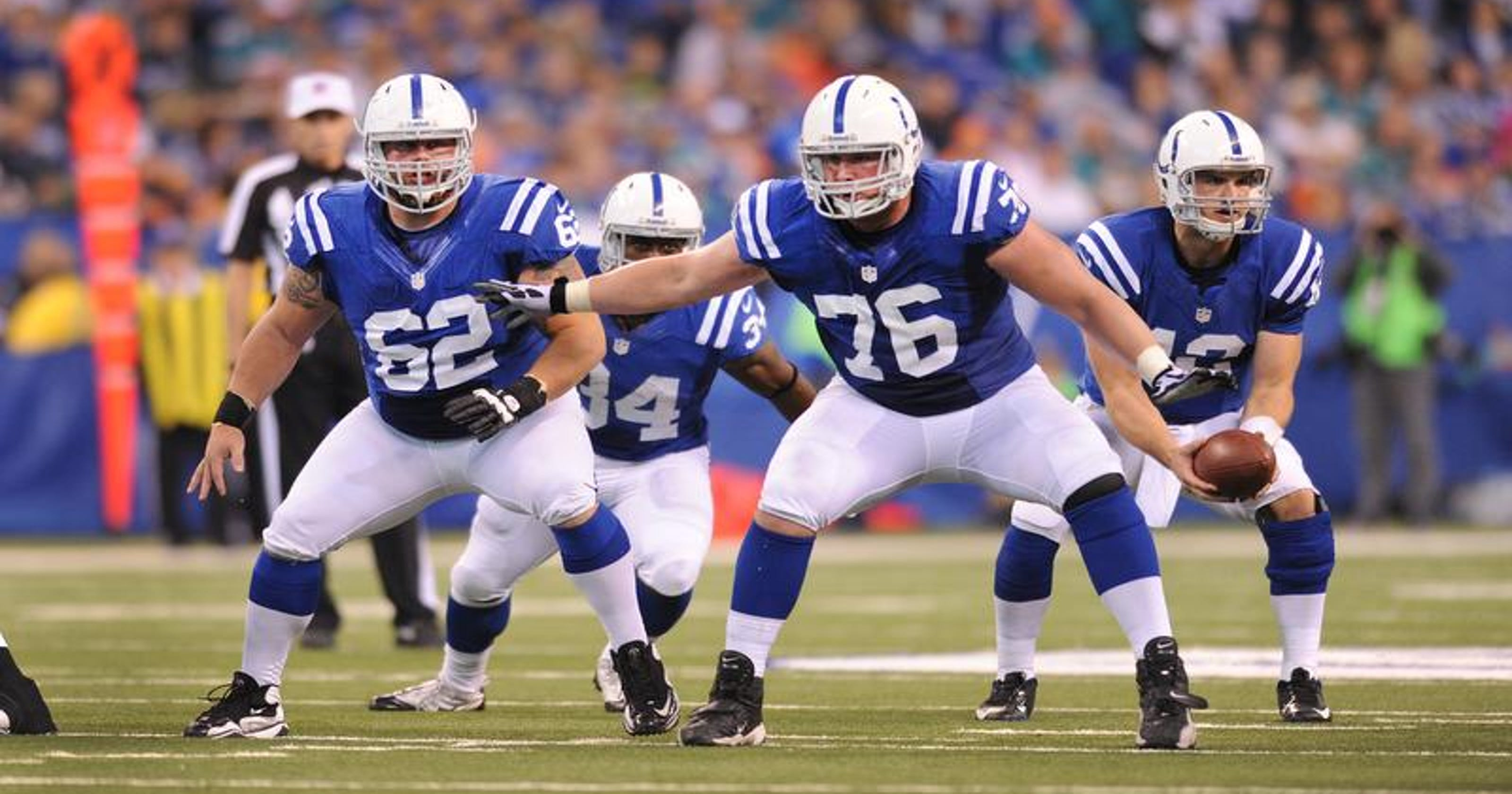 Colts OL Joe Reitz steps in at left tackle for ailing Anthony Castonzo 95df9a6d2