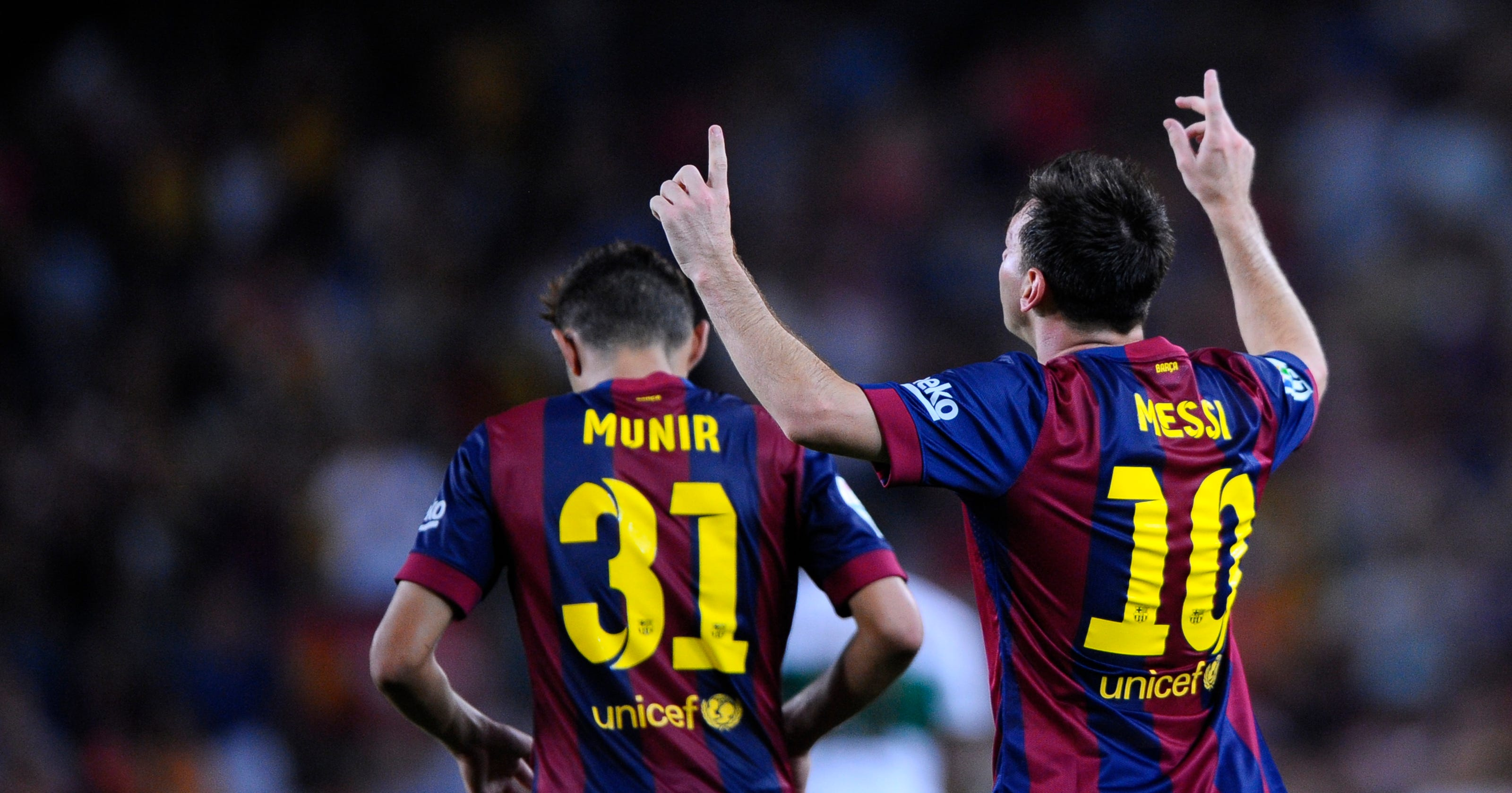 Lionel Messi back to the top of AP soccer poll