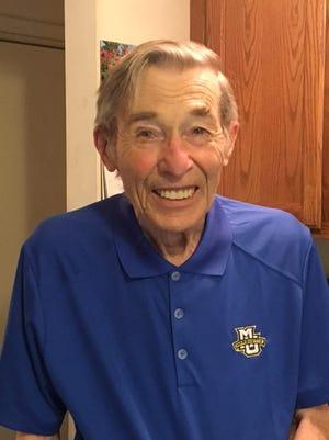 Richard Bradee, former Milwaukee Sentinel reporter and Washington Bureau Chief, died Thursday at the age of 85.