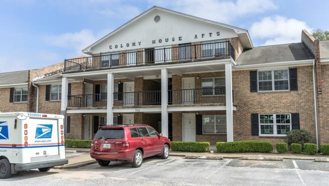 The Colony House Apartments, located at 800 Scenic Highway, will be sold at public auction on March 8.