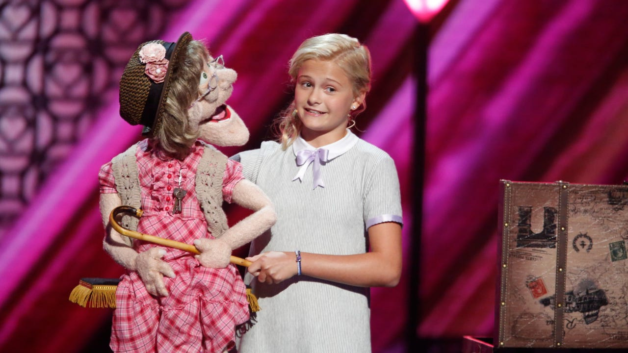 """Twelve-year-old Darci Lynne Farmer talks about being crowned Season 12 champion of """"America's Got Talent,"""" and Simon Cowell offers advice for Kelly Clarkson on """"The Voice."""" (Sept. 21)"""