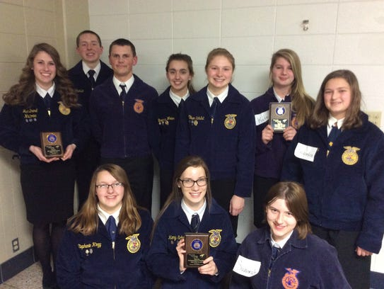 Teams advancing to sectional competition Back: Jaci