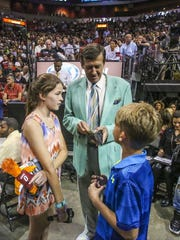 Sager takes a moment to just be dad with his kids and gets them cotton candy money. Craig Sager, the eccentric TNT/TBS NBA sideline reporter began his broadcast career with WINK-TV in Fort Myers in the mid-1970s. He's now renewing his very public battle against leukemia while still working NBA games. He worked the Chicago Bulls at Miami Heat game on Thursday, April 7, 2016.