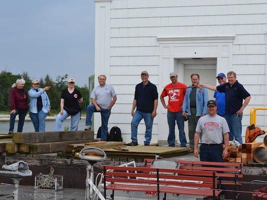 DCA 0716 People - Plum Island Volunteers 1.jpg