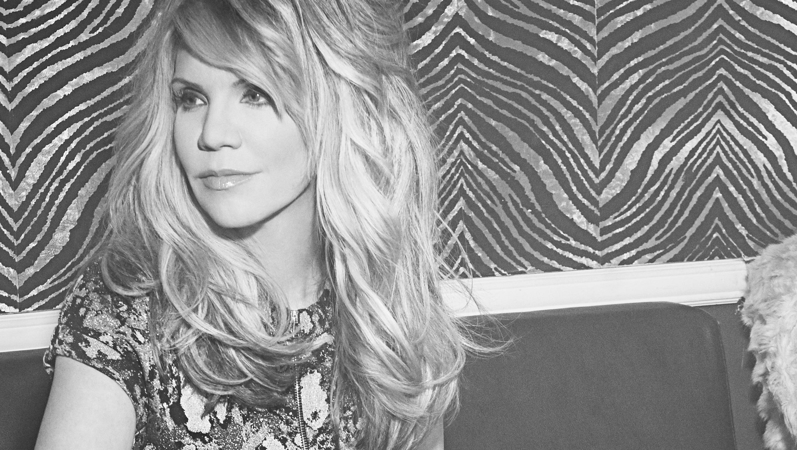 Alison Krauss over es dysphonia to release first solo album in 18 years
