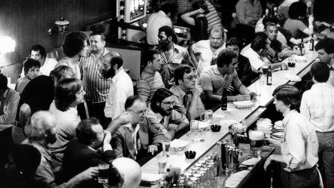 An upcoming talk at Mead Public Library will recount a 1977 investigation by the Chicago Sun-Times, where the newspaper bought a bar and used it to expose corruption by city officials.