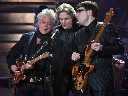 Marty Stuart, Harry Stinson and Chris Scruggs perform