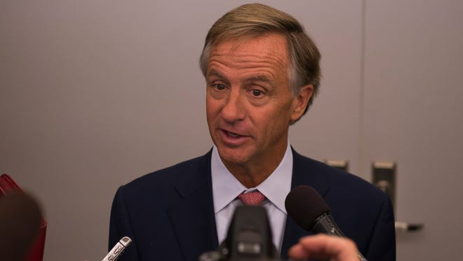 Governor Bill Haslam speaks at the Clarksville Hankook plant's grand opening on October 17, 2017.