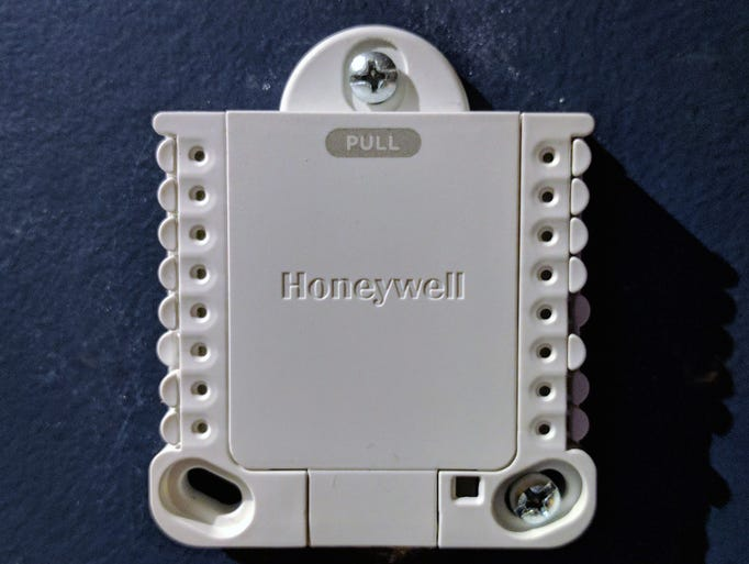 Photos  Honeywell Lyric T5 Wi