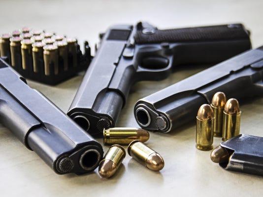 636419354361962738-guns.jpg
