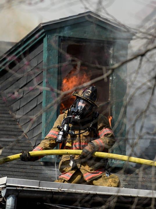 1-LDN-JML-040616-3alarm-fire