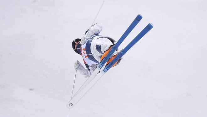 Casey Andringa, a native of Milwaukee, finishes fifth in the freestyle skiing men's moguls Monday.