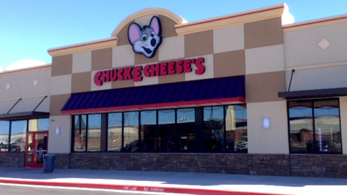 is chuck e cheese open today