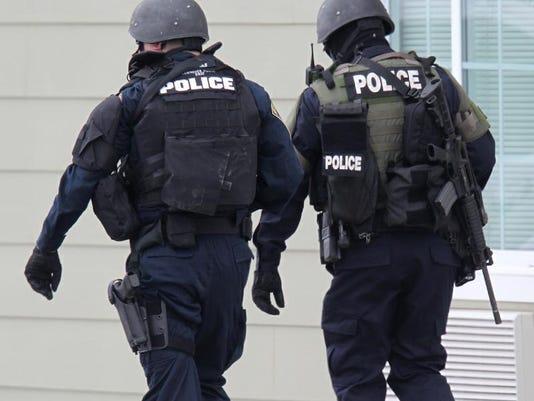 -swatpolice.jpg20130930.jpg