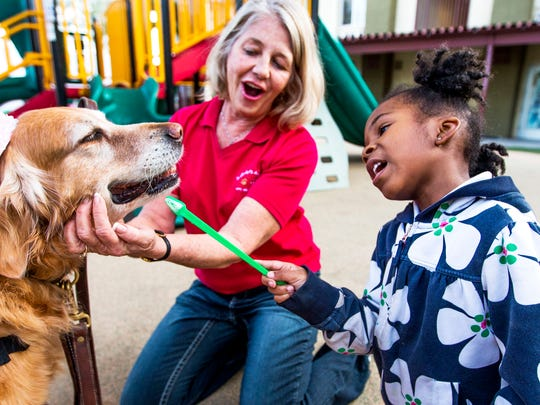 PNI 0111 Pet therapy helps at risk-children