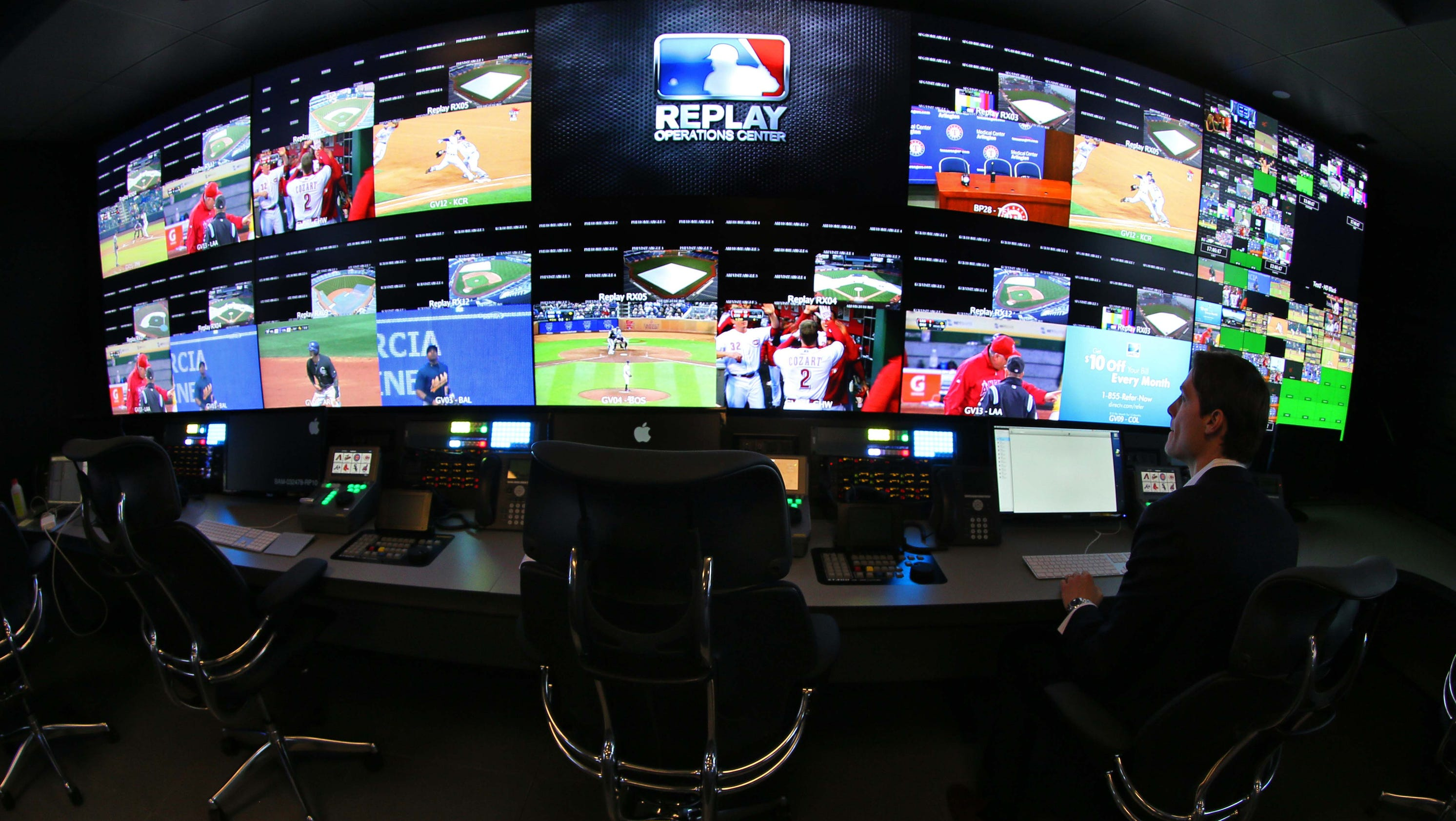 welcome to the roc mlb 39 s high tech replay room. Black Bedroom Furniture Sets. Home Design Ideas