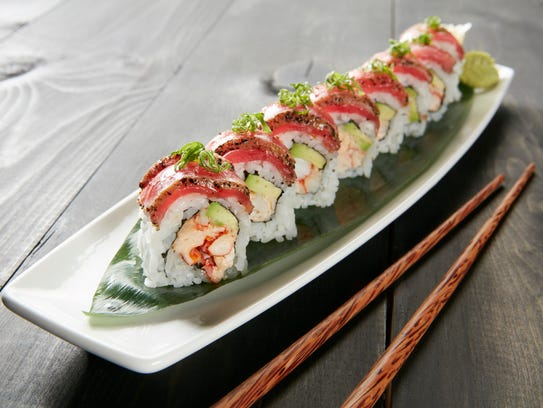 Peppered tuna tataki roll from Kona Grill.