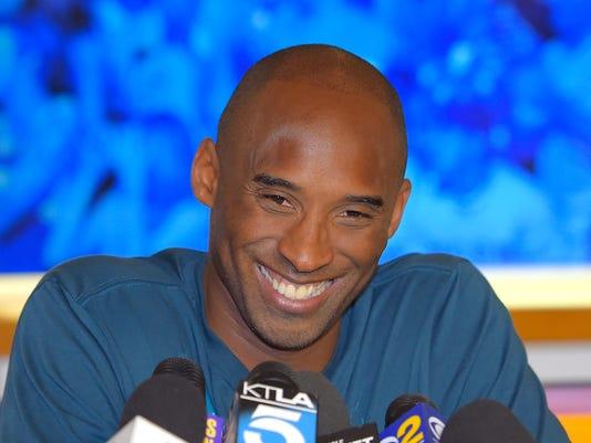 Lakers Bryant Basketball (2)