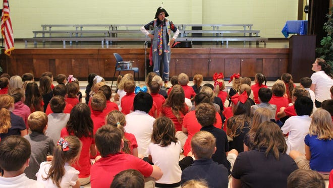 Chester Drawers visits Baxterville School