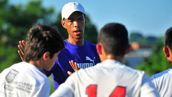 Desmond Armstrong, a former member of the U.S. national team, now works with Nashville-area youth soccer players.