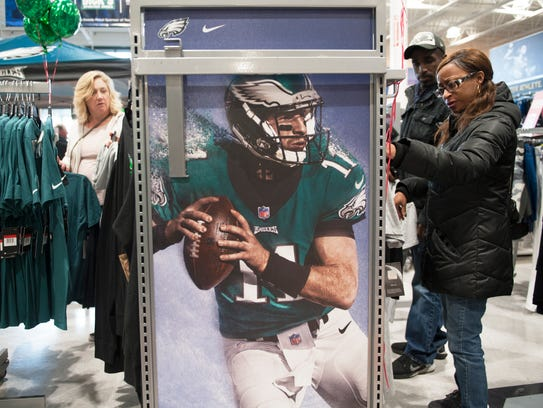 Fans shop for Philadelphia Eagles gear at Dick's Sporting