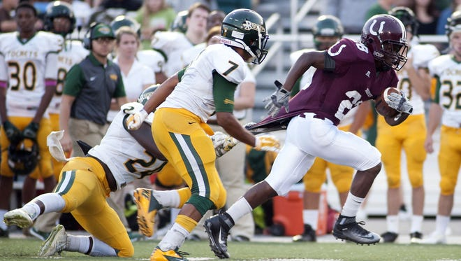 Owen's Sidney Gibbs rushed for 1,750 yards as a sophomore in 2015.
