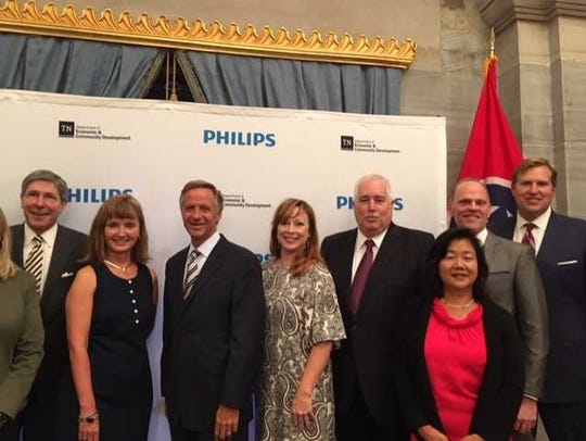 Philips, a global health technology business, will bring 800 high-paying jobs to Middle Tennesee, Gov. Bill Haslam announced.