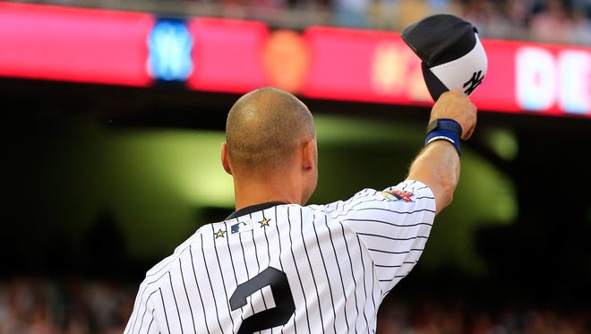 Derek Jeter acknowledges the crowd after being pulled from the All-Star Game.