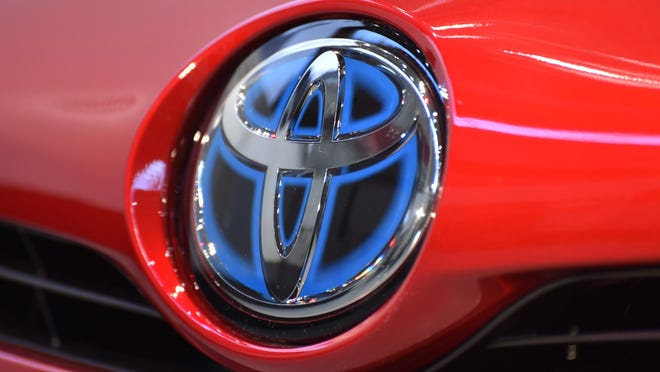 Toyota and its luxury Lexus brand top Consumer Reports' reliability survey.