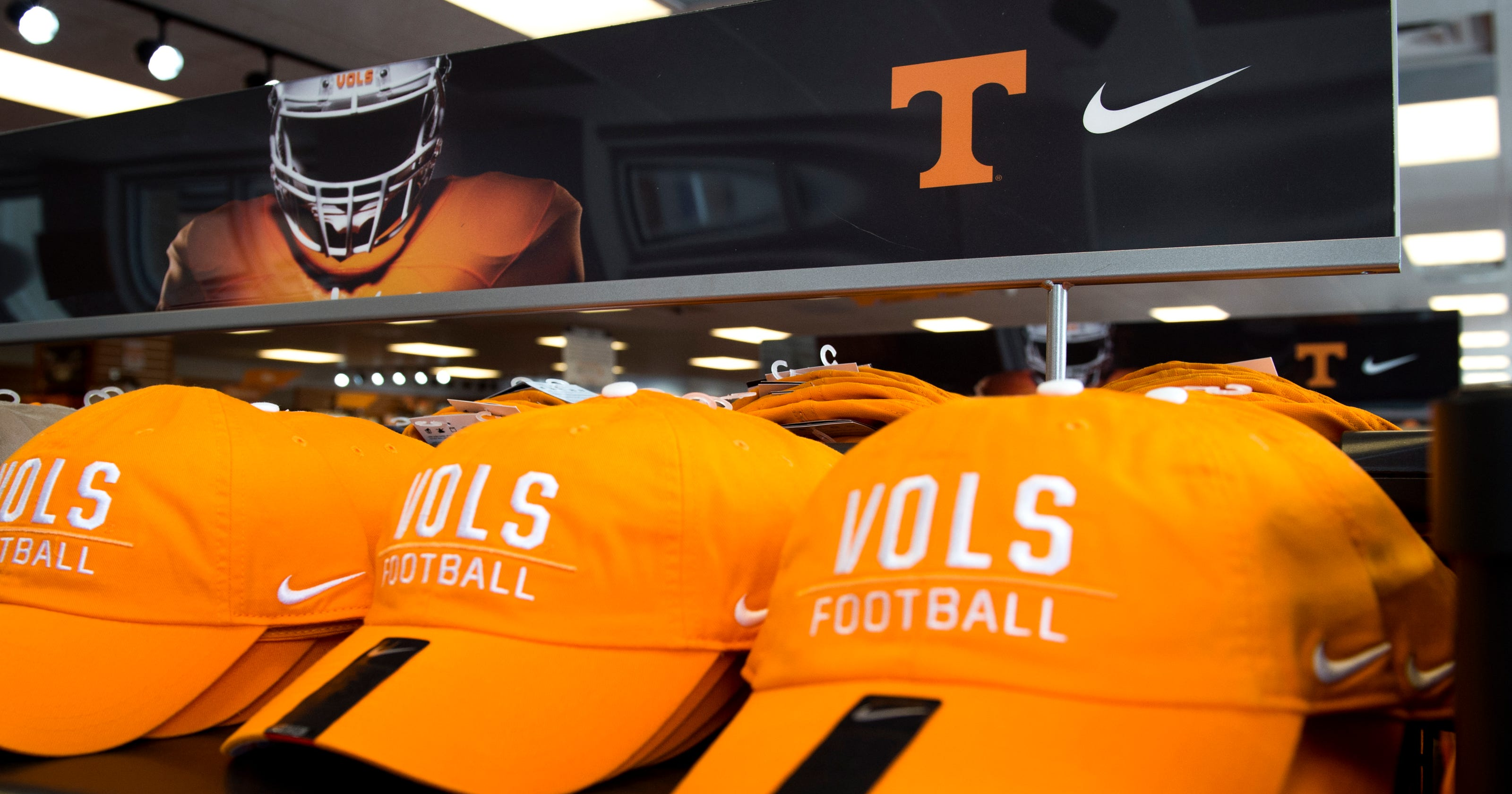 best website e9932 1e852 Tennessee Nike shoes: Here's what they look like