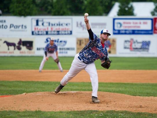 Wilson Memorial graduate Damon Frazier pitches against