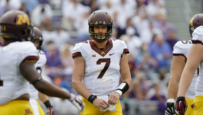 Minnesota quarterback Mitch Leidner (7) lines up against TCU, Saturday, Sept. 13, 2014, in Fort Worth, Texas.