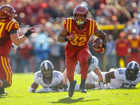 Iowa State Cyclones running back David Montgomery (32)