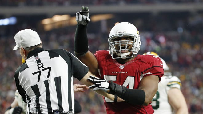 Arizona Cardinals LB Dwight Freeney celebrates after a sack against the Green Bay Packers during the third quarter in NFL action December 27, 2015 in Glendale, Ariz.