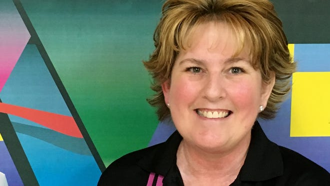 Anne Powell scored a 722 series at Dixie Bowl last week.