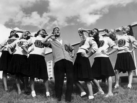 Manhattan Project-era cheerleaders in Oak Ridge. (ED WESTCOTT/DEPARTMENT OF ENERGY)