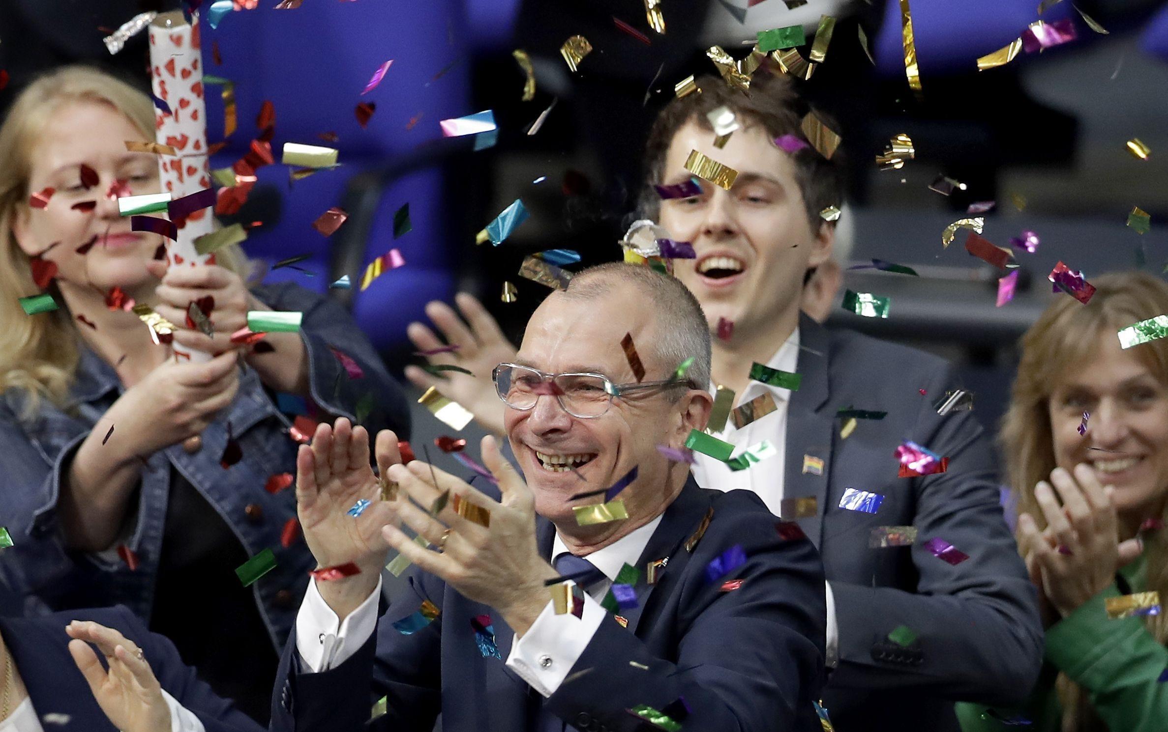 German parliament legalizes same-sex marriage unions 30.06.2017 11