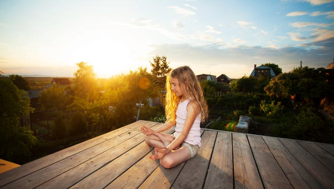 A course in meditation for children can teach them to recognize their thoughts and feelings and be more mindful in the way they respond to the world around them.