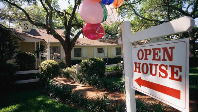 There were 475 closings of single-family home sales in September. Many of those properties attracted multiple offers from would-be buyers who attended open houses.
