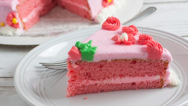 Try making pink cake to celebrate the birthday of a Pink Floyd guitarist (and other celebs' big days).