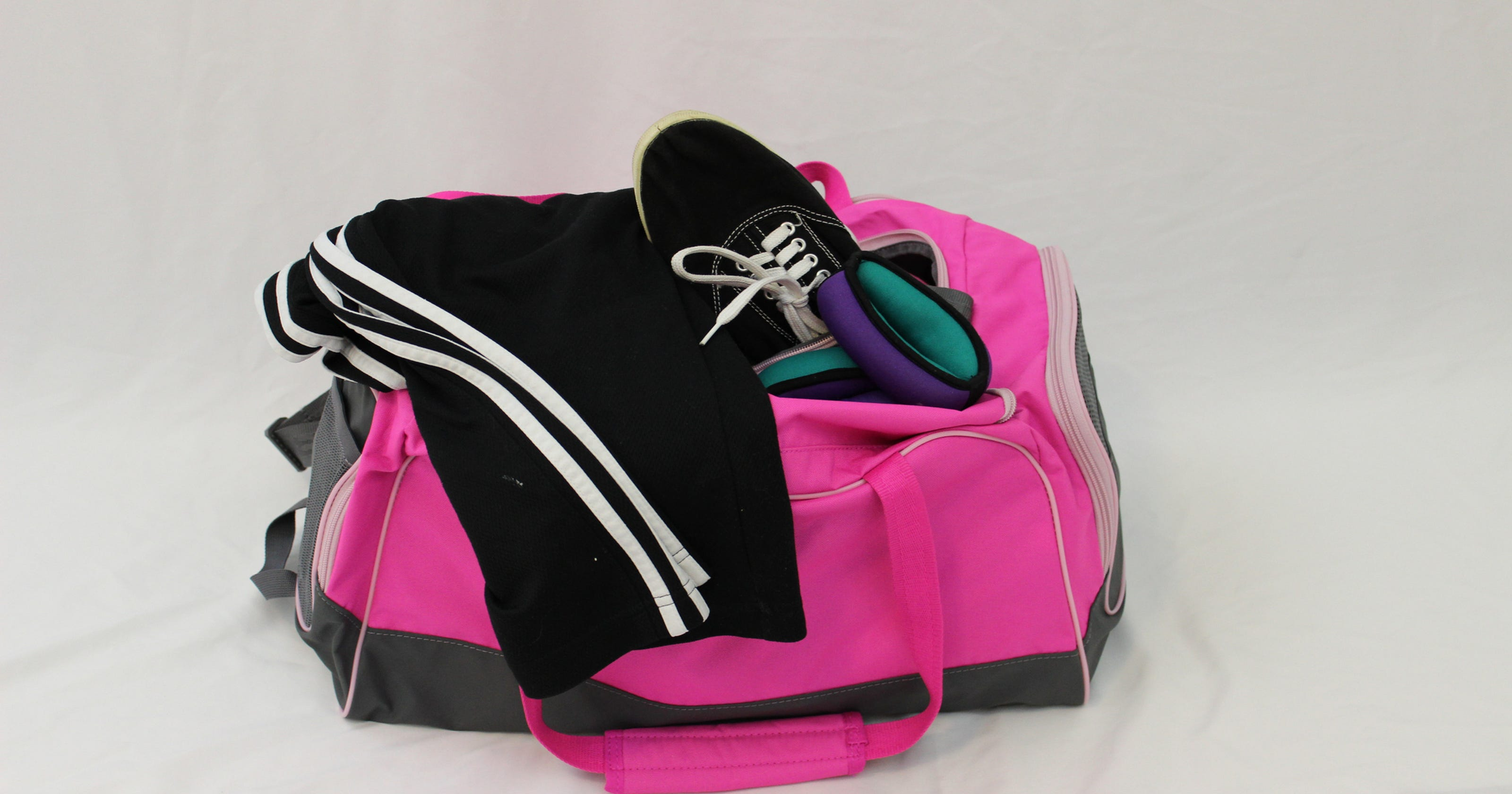 dc90c5f1db7 What to look for in a gym bag and what you should always pack in it
