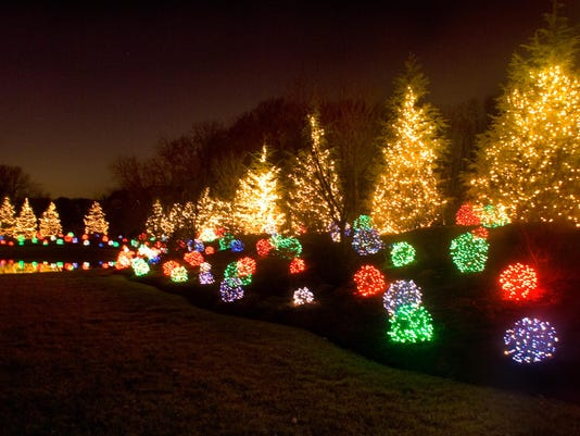 check out lewistowns country christmas weekend - How To Check Christmas Lights